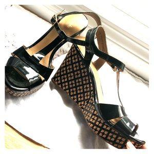 Clarks Artisan black patent wedge sandal 9.5 new